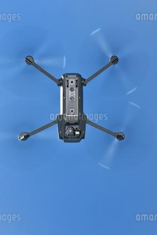 空撮専用の小型ドローンの写真素材 [FYI04473306]