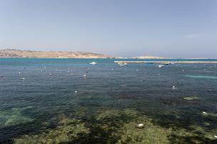 ブギバから望むセントポール島の写真素材 [FYI04482790]
