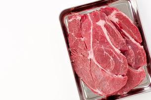 牛肉赤身肩ロース(ステーキ肉)の写真素材 [FYI04483154]