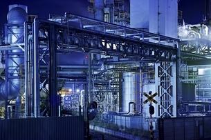 川崎の工場夜景の写真素材 [FYI04486034]
