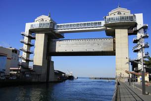 沼津港の水門の写真素材 [FYI04486256]