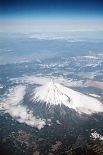 空から見た富士山   Mt. FUJI  form skyの写真素材 [FYI04486278]