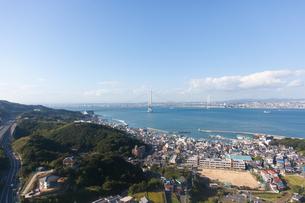 淡路SAから眺める明石海峡大橋の写真素材 [FYI04486288]