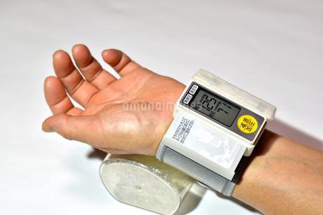 血圧測定の写真素材 [FYI04486583]