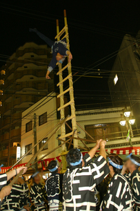 10月 川越祭りの夜 -出初式-の写真素材 [FYI04486711]