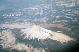 空から見た富士山   Mt. FUJI  form skyの写真素材 [FYI04486979]
