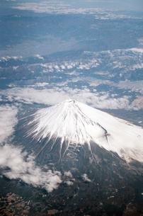 空から見た富士山   Mt. FUJI  form skyの写真素材 [FYI04486980]