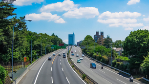 せたがや百景「東名高速の橋」こと公園橋から東京インターチェンジの写真素材 [FYI04487138]