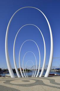 オーストラリア・西オーストラリア州のパースシテイのオブジェとエリザベス・キー周囲の光景の写真素材 [FYI04487351]