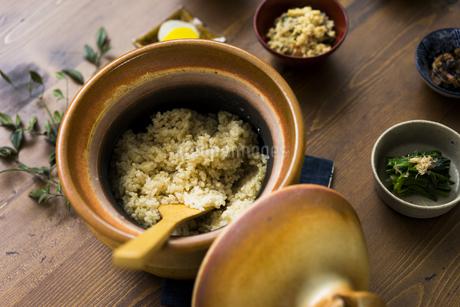 玄米ごはんと和食の写真素材 [FYI04487846]