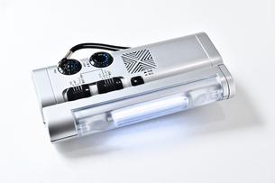 ライト付きの多機能ラジオの写真素材 [FYI04490091]