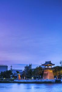 七里の渡し夕景の写真素材 [FYI04490776]