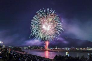 長良川の花火の写真素材 [FYI04490790]