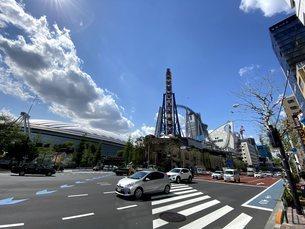 東京ドーム周辺(壱岐坂下交差点)の写真素材 [FYI04490993]