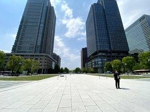 東京駅、丸の内ビルディング、新丸の内ビルディングの写真素材 [FYI04491016]