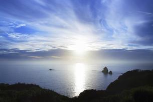 世界自然遺産 小笠原諸島母島の夕日の写真素材 [FYI04493258]