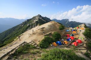 北アルプス 燕岳のキャンプ場の写真素材 [FYI04495672]