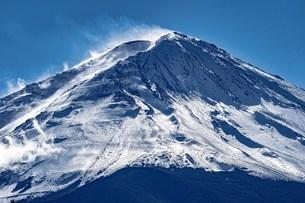 輝く富士の写真素材 [FYI04497623]