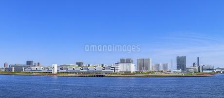 晴海埠頭から望む東京ウォーターフロントパノラマの写真素材 [FYI04498407]