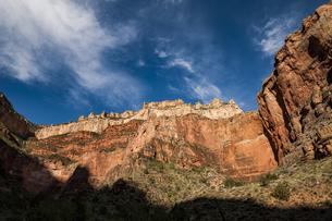 グランドキャニオンの断崖の写真素材 [FYI04498566]