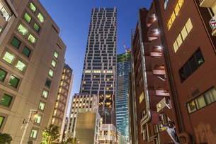 渋谷のビル群夕景 東京の写真素材 [FYI04499065]