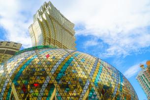 マカオ特別行政区のリスボアと青空の写真素材 [FYI04501820]