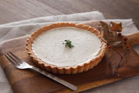 レアチーズケーキのタルトの写真素材 [FYI04501991]