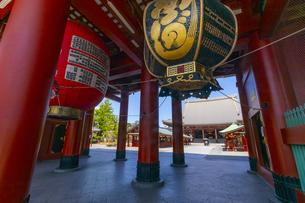 浅草寺本堂と宝蔵門の写真素材 [FYI04502106]
