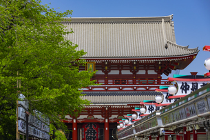 浅草寺の宝蔵門の写真素材 [FYI04502116]