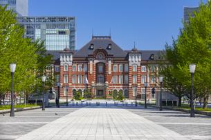 レトロな雰囲気の東京駅赤レンガ駅舎の写真素材 [FYI04502832]