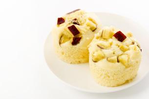さつま芋の蒸しケーキの写真素材 [FYI04503080]