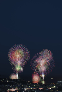 湯河原温泉海上花火大会の写真素材 [FYI04504293]