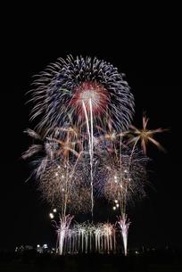 とりで利根川大花火の写真素材 [FYI04504332]