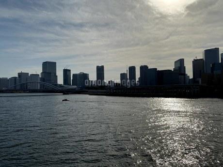 勝どき橋から築地大橋の眺めの写真素材 [FYI04504642]