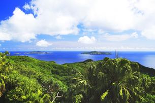 世界自然遺産 小笠原諸島母島より姉島と向島を望むの写真素材 [FYI04505289]