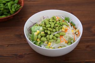 枝豆サラダの写真素材 [FYI04505682]