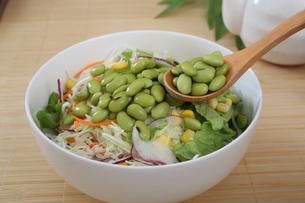 枝豆サラダの写真素材 [FYI04505684]