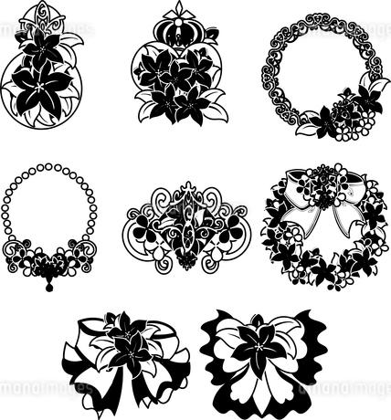 香水瓶やリボンなどの、可愛い花の雑貨のアイコンいろいろのイラスト素材 [FYI04509379]