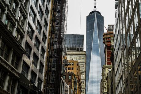 ニューヨーク・ロウアーマンハッタンの街並みの写真素材 [FYI04510043]