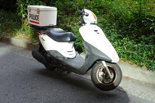 警察のスクーターの写真素材 [FYI04510657]