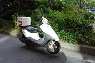 警察のスクーターの写真素材 [FYI04510658]