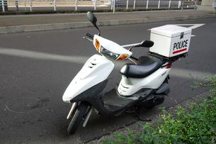 警察のスクーターの写真素材 [FYI04510661]