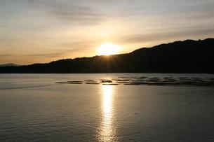 宮島の日の出の写真素材 [FYI04513345]