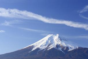山梨県 富士山と雲 の写真素材 [FYI04513849]