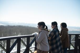 冬の女子旅の写真素材 [FYI04514090]