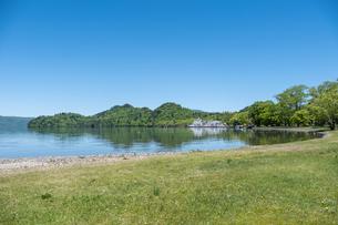 十和田湖 - 遊覧船の写真素材 [FYI04514920]