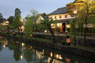 倉敷美観地区の夕景の写真素材 [FYI04515090]