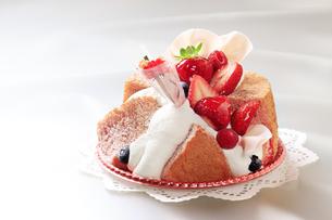 母の日いちごケーキの写真素材 [FYI04518269]