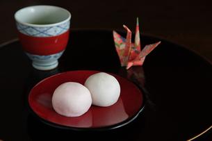紅白饅頭の写真素材 [FYI04520733]