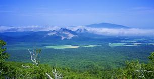 北海道 自然 風景 硫黄岳の写真素材 [FYI04524186]